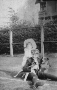 Children in yard of 2050 Barclay Street with 2020 Barclay Street in background. [The original reference for this photograph was http://bookmongre.wordpress.com/tag/edwin-j-galloway/, but it not longer seems to work: November 2018].