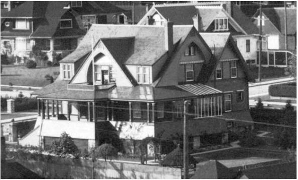 1050 Chilco Street - Detail from [Houses on the north side of the 1900 Block of Pendrell Street] - AM54-S4-2 - CVA 371-723