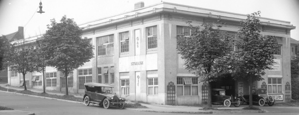 Auto Clearing House - West Georgia St - about 1921 - City of Vancouver Archives - CVA 99-5301; http://searcharchives.vancouver.ca/auto-clearing-house-used-cars-bought-and-sold-georgia-st-w.