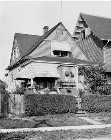 2061 Beach Avenue - Collections Canada - William James Topley - Library and Archives Canada - PA-009550 - June 1909 - Online MIKAN no. 3308689 - http://data2.archives.ca/ap/a/a009549.jpg