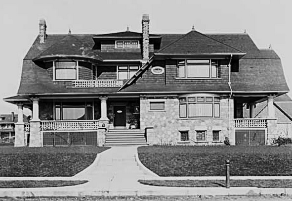 2033 Comox Street - Vancouver Public Library - Accession Number 7441 - House of Charles S Douglas - date 1908; http://www3.vpl.ca/spePhotos/LeonardFrankCollection/02DisplayJPGs/76/7441.jpg