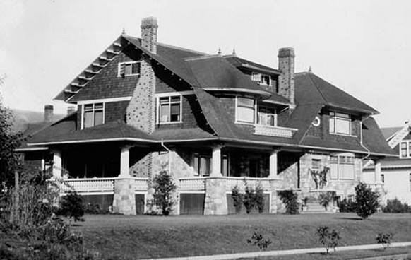 2033 Comox Street - William James Topley - Library and Archives Canada - PA-009551; http://data2.archives.ca/ap/a/a009551.jpg;pv9296946f78fb747c