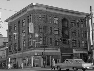 [Simpson Block Apartments] City of Vancouver Archives - CVA 447-370 - Northeast Corner Davie and Denman Streets, http://searcharchives.vancouver.ca/n-e-corner-davie-and-denman-sts;rad