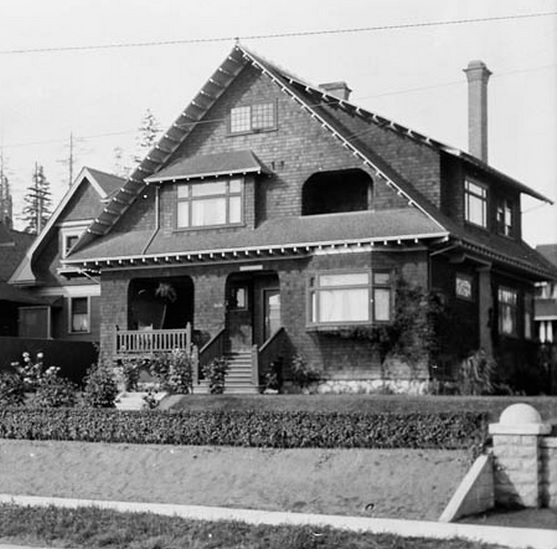 2033 Beach Avenue - William James Topley - Library and Archives Canada - PA-009550; http://data2.archives.ca/ap/a/a009550.jpg;pvdaaae40156d6e3e0