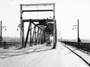 Granville Street Bridge - 1936 - Vancouver City Archives - Br N43 - [Granville Street Bridge]; http://searcharchives.vancouver.ca/granville-street-bridge-5;rad.