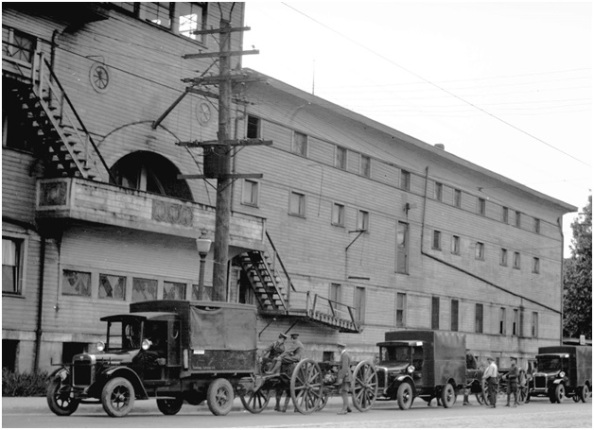Stanley Park Armouries - City of Vancouver Archives - June 1928 - CVA 99-1681 - 5th Med Battery; http://searcharchives.vancouver.ca/5th-med-battery-outside-arena-building-on-georgia-street
