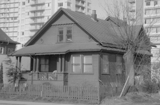 1037 Denman Street - [House at] 1037 Denman - City of Vancouver Archives - AM1348 - CVA 1348-7 - date 1968
