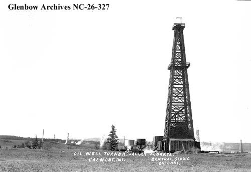 Calmont #1 well, Turner Valley, Alberta, drilled at 1-20-3-W5. Glenbow Archives, Image No: NC-26-327, about 1926.