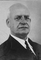 Everett Mark Breed, 1940, immigration card to Brazil , https://familysearch.org/pal:/MM9.1.1/KNGD-K7K