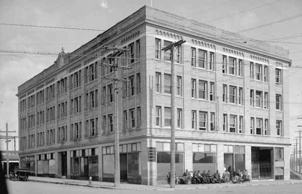 Vancouver Hospital Marpole Annex, Vancouver City Archives; CVA 99-226; http://searcharchives.vancouver.ca/vancouver-general-hospital-annex-marpole-annex