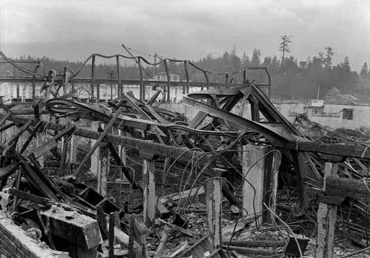Ruins after the fire at the Denman Arena, Vancouver Public Library, VPL Accession Number: 7896, August 20, 1936