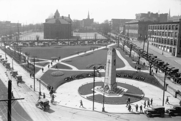 Cenotaph and Victory Square looking south - about 1924, City of Vancouver Archives, CVA 99-1477; http://searcharchives.vancouver.ca/cenotaph-and-victory-square-looking-south