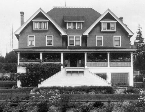 Glen-Lyon, 1913, City of Burnaby Planning Department, http://www.historicplaces.ca/en/rep-reg/image-image.aspx?id=3804#i2.