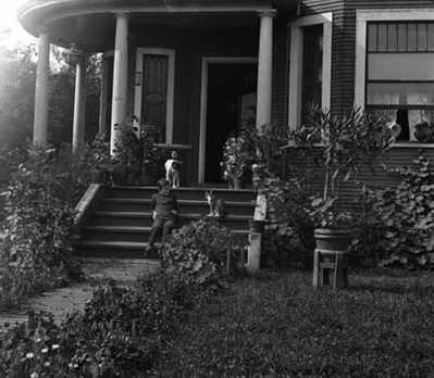 Downing residence at 1954 West Georgia, 1903 [cropped]; Vancouver Public Library, VPL Accession Number 4153; http://www3.vpl.ca/spePhotos/LeonardFrankCollection/02DisplayJPGs/1104/4153.jpg