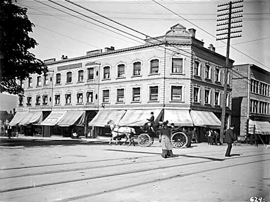 Johnston-Howe Block, Vancouver Public Library, VPL Accession Number 5261, http://www3.vpl.ca/spePhotos/LeonardFrankCollection/02DisplayJPGs/61/5261.jpg