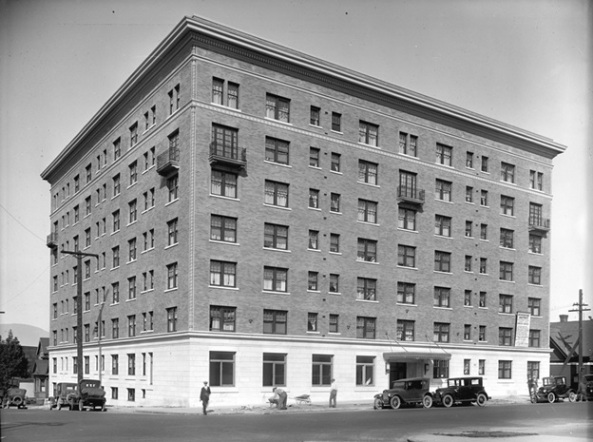 Devonshire Apartments at 849 West Georgia Street , about 1925, Vancouver City Archives, LGN 1060; http://searcharchives.vancouver.ca/index.php/devonshire-apartments-at-849-west-georgia-street