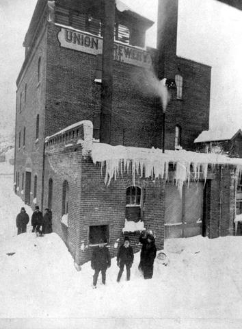 Union Brewery, Nanaimo, British Columbia, 1892, British Columbia Archives, Item E-04537; http://search.bcarchives.gov.bc.ca/nanaimo-union-brewery