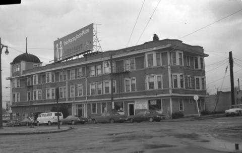 Stuart Building - City of Vancouver Archives - CVA 447-85 - [Stuart] Bldg. [near Stanley] Park Entrance [Georgia and Chilco Streets], December 1, 1973; http://searcharchives.vancouver.ca/stuart-bldg-near-stanley-park-entrance-georgia-and-chilco-streets