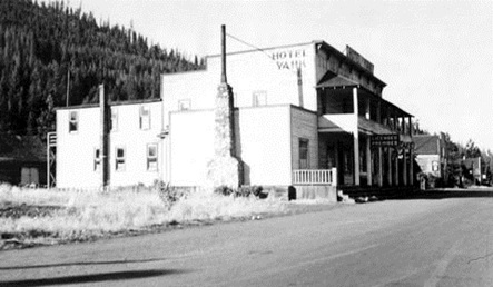 Yahk Hotel, 1940s, British Columbia Archives, Item E-05365; http://search.bcarchives.gov.bc.ca/yahk-hotel.