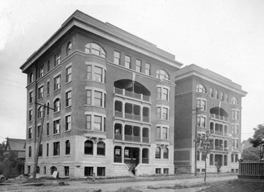 Beaconsfield Apartments [newly-built, about 1910], City of Vancouver Archives, M-11-57; http://searcharchives.vancouver.ca/beaconsfiled-apartments.