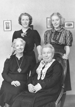 [Mrs. Ruth Morton, Mrs. Ruth M. Clements, Mrs. Ruth J. Steacy and Miss Ruth A. Steacy]; 1939; Vancouver City Archives, Port P368; http://searcharchives.vancouver.ca/mrs-ruth-morton-mrs-ruth-m-clements-mrs-ruth-j-steacy-and-miss-ruth-steacy.