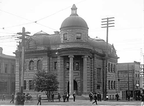 Carnegie Library, 1908, Vancouver Public Library, VPL Accession Number 3429; http://www3.vpl.ca/spePhotos/LeonardFrankCollection/02DisplayJPGs/58/3429.jpg.