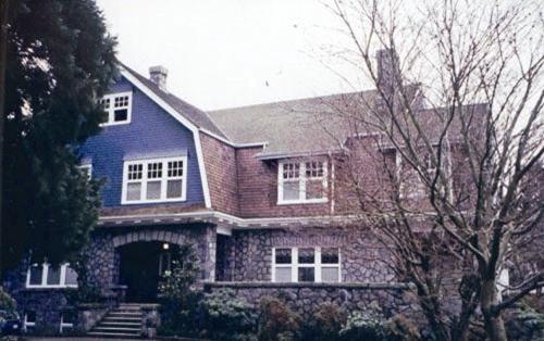 Dumoine Lodge, 1498 Laurier Avenue, Vancouver, British Columbia; http://www.historicplaces.ca/en/rep-reg/image-image.aspx?id=10964#i1
