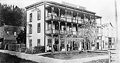 Huntingdon Hotel, about 1907, Vancouver City Archives, Hot P67; http://searcharchives.vancouver.ca/exterior-of-huntingdon-hotel.