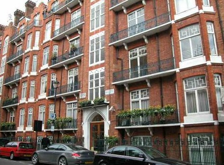 Flat 5h, Portman Mansions, Chiltern Street, London, Greater London W1U 5AH; http://www.rightmove.co.uk/house-prices/detailMatching.html/svr/2703;jsessionid=77BA1B1981C314A884104B7F341C6FBB?prop=19660783&sale=83821314&country=england.