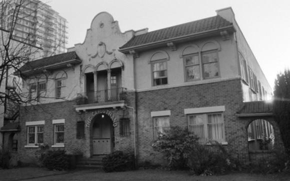 1924 Comox Street, about 1985, City of Vancouver Archives, CVA 790-1755; http://searcharchives.vancouver.ca/1924-comox-street.