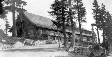 Grouse Mountain Chalet, 1927, Vancouver City Archives, CVA 289-004.040; http://searcharchives.vancouver.ca/grouse-m-oun-t-ain-chalet.