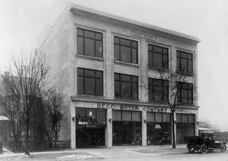 Begg Motor Co., Georgia Street, between 1910 and 1920; Vancouver City Archives; M-11-81; http://searcharchives.vancouver.ca/begg-motor-co-georgia-street.