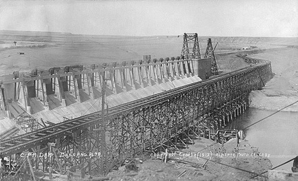 C.P.R. Dam Bassano, Alberta; 1912, Alberta Photo (Publisher), University of Alberta, Prairie Postcards; Postcard 3060; http://peel.library.ualberta.ca/postcards/PC003060.html.