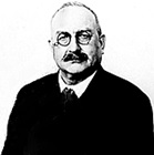 Bruno Thomas, 1915, United States passport application, FamilySearch (https://familysearch.org/ark:/61903/1:1:QVJG-B4W6).