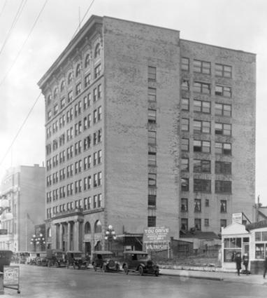 Metropolitan building at 837 West Hastings Street, about 1921; Vancouver City Archives, Bu N339; http://searcharchives.vancouver.ca/metropolitan-building-at-837-west-hastings-street.