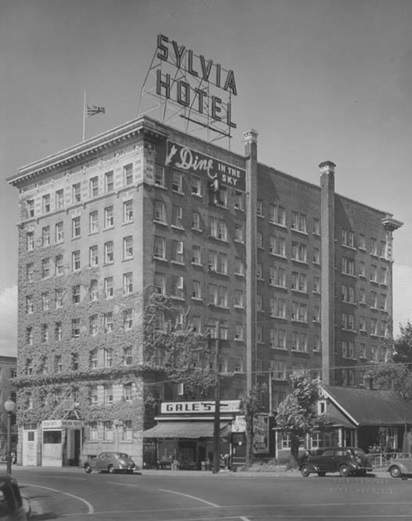 Sylvia Hotel, possibly 1940s, https://sylviahotel.com/history/ (W.A. Gale grocery was at 1875 Beach Avenue from the late 1930s until about 1950.)