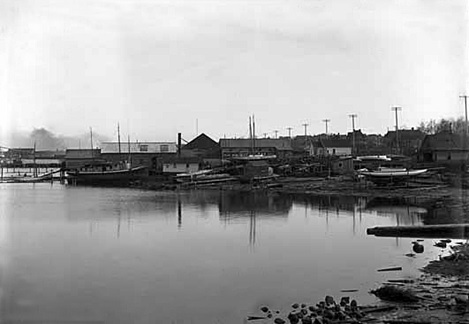 Boats by Vancouver Ship Yard, 1904, Vancouver Public Library, VPL Accession Number: 2918; https://www3.vpl.ca/spePhotos/LeonardFrankCollection/02DisplayJPGs/1475/2918.jpg.