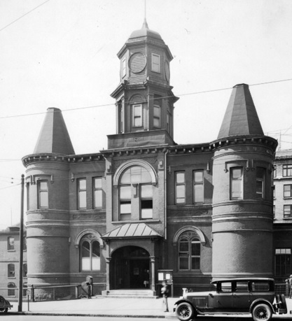 City Hall on Main Street; about 1928; Vancouver City Archives; CVA 1376-88; http://searcharchives.vancouver.ca/city-hall-old-market-hall-on-main-street.