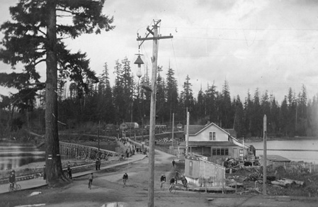 Entrance to Stanley Park, 1894, Vancouver City Archives, CVA 677-987; http://searcharchives.vancouver.ca/entrance-to-stanley-park-6.
