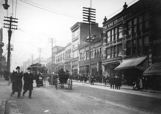 Hastings Street between Hamilton and Homer Street, early 1900s; Vancouver City Archives; CVA 677-642; https://searcharchives.vancouver.ca/hastings-street-between-hamilton-and-homer-streets.