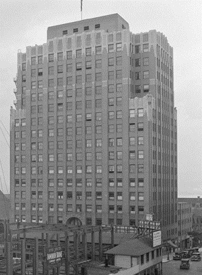 Medical-Dental Building – northwest corner of Georgia Street and Hornby Street – 1930 – detail from Vancouver City Archives – CVA 99-3660 – Canadian National Hotel [Hotel Vancouver]; http://searcharchives.vancouver.ca/canadian-national-hotel-hotel-vancouver-11;rad.