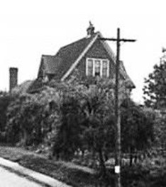 810 Park Road, 1944 – Detail from View of the junction of Chilco – Lagoon Drive and Robson – Vancouver Public Library – VPL Accession Number 5214,http://www3.vpl.ca/spePhotos/LeonardFrankCollection/02DisplayJPGs/410/5214.jpg