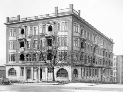 Florence Court [1201 Georgia Street], between 1911 and 1920, Vancouver City Archives, M-11-58; https://searcharchives.vancouver.ca/florence-court-1201-georgia-street.