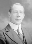 R. Bruce Mackedie, about 1916; Vancouver City Archives, SGN 1633; https://searcharchives.vancouver.ca/head-and-houlders-studio-portrait-of-r-bruce-mackedie.