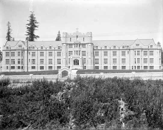 Convent of the Sacred Heart, 1914; Vancouver Public Library; VPL Accession Number: 4700; https://www3.vpl.ca/spePhotos/LeonardFrankCollection/02DisplayJPGs/311/4700.jpg.
