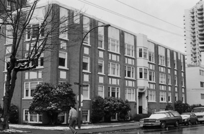 Park Lane Apartments - 975 Chilco Street, November 1985; Vancouver City Archives, CVA 791-0250; https://searcharchives.vancouver.ca/975-chilco-street.