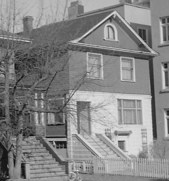 1915 Pendrell Street, 1968, detail from 1915 and 1925 Pendrell Street just west of Gilford Street; Vancouver City Archives; CVA 1348-15; https://searcharchives.vancouver.ca/1915-and-1925-pendrell-just-west-of-gilford.