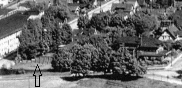 Chilco Street, between Alberni Street and Robson Street, 1931, Vancouver, B.C. [from the air looking east from Lost Lagoon]; detail; Vancouver City Archives, Van Sc P15; https://searcharchives.vancouver.ca/vancouver-b-c-from-air-looking-east-from-lost-lagoon;rad.