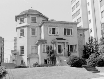 1019 Gilford Street, John Penrice Apartments, 1978, Vancouver City Archives, CVA 786-3.18; http://searcharchives.vancouver.ca/1019-gilford-street.