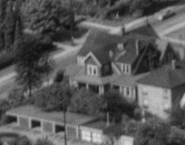 1050 Chilco Street [1974 Comox Street]; detail from First Beach, 1954; BO-54-211; http://vintageairphotos.com/bo-54-211/.